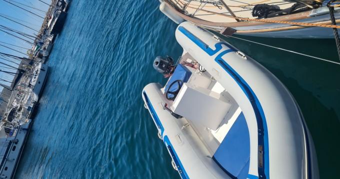 Boat rental Pointe-Rouge cheap Lodestar 430