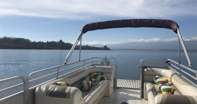 Rental Motorboat in Sciez - Supra-Le-Grebe Bateau terrasse