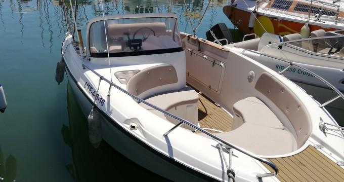 Boat rental Quicksilver Quicksilver 600 Commander in Barcelona on Samboat