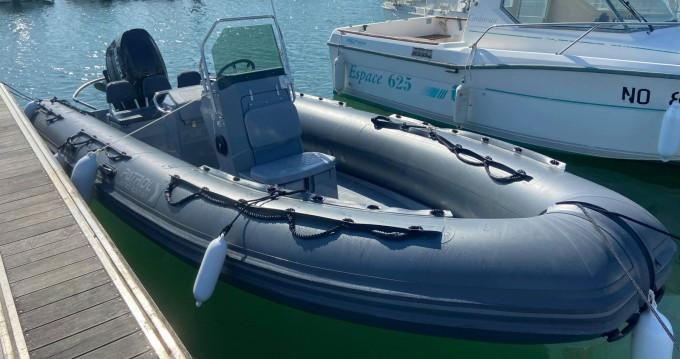 Boat rental 3D Tender Patrol 6,50 in La Rochelle on Samboat