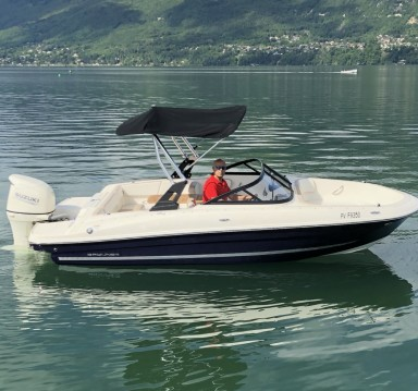 Boat rental Bayliner VR4OE in Aix-les-Bains on Samboat
