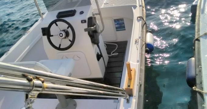 Boat rental Betina 490 in Hvar on Samboat