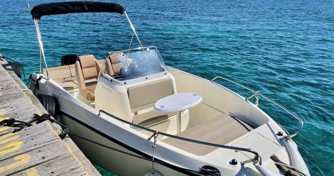 Rental yacht Mandelieu-la-Napoule - Quicksilver Quicksilver 555 Open on SamBoat