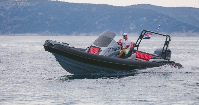 Highfield Sport 760 between personal and professional Omišalj