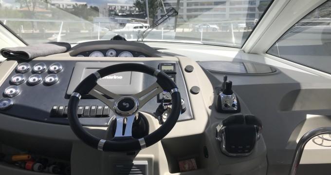 Rent a Bénéteau Flyer Gran Turismo 38 Hyères