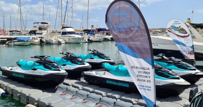 Rent a Yamaha Cruiser Fuengirola