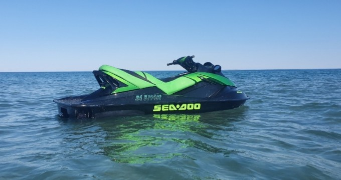 Hire Jet Ski with or without skipper Sea-Doo Frontignan