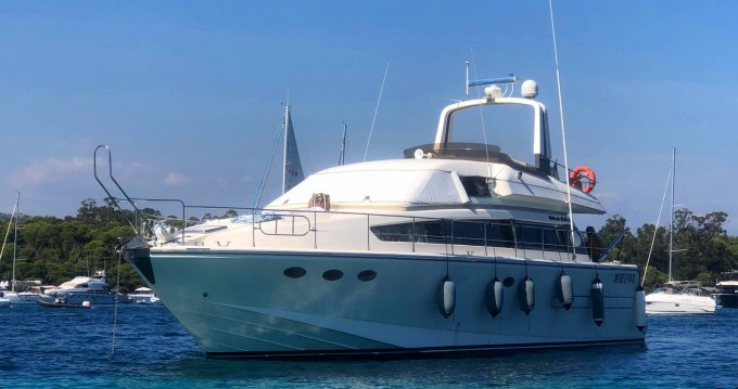Hire Motorboat with or without skipper Technema Antibes