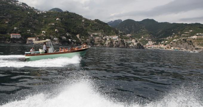 Boat rental Jeanneau Aqua Peche 400 in Maiori on Samboat