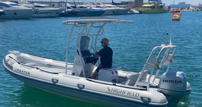 Boat rental Barcelona cheap Highfield Sport 650