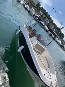 Boat rental Quicksilver Activ 555 Open Edition Smart in L'Estaque on Samboat