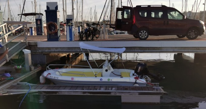 Rent a Astillero Fiber 400 Port de Alicante