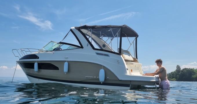 Boat rental Bayliner Ciera 8 in Thonon-les-Bains on Samboat