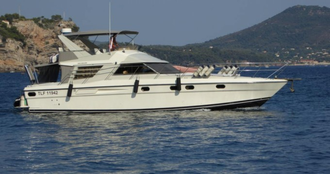 Hire Motorboat with or without skipper Fairline Saint-Mandrier-sur-Mer