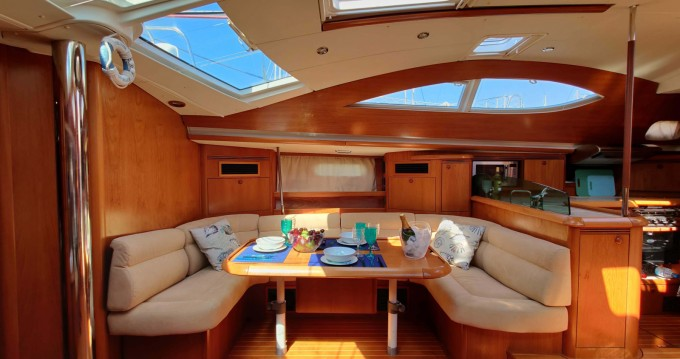 Hire Sailboat with or without skipper Jeanneau Santa Pola
