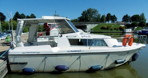 Hire Canal boat with or without skipper Low Cost Digoin
