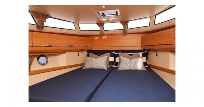 Boat rental Classic Greenline 40 White in Vila Nova de Gaia on Samboat