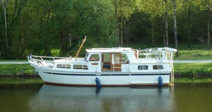 Rental Canal boat in Saint-Nicolas des Eaux - Classic Pedro 1020