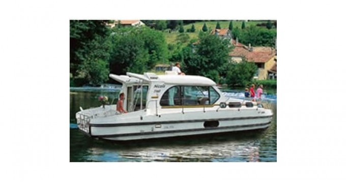 Canal boat for rent Dom-le-Mesnil at the best price