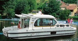 Rental Canal boat in Dom-le-Mesnil - Classic Nicols 1170