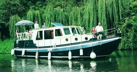 Boat rental Classic Linssen Vlet 1030 in Pontailler-sur-Saône on Samboat