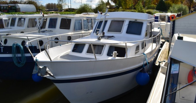 Rental yacht Pontailler-sur-Saône - Classic Linssen Yacht 36 on SamBoat