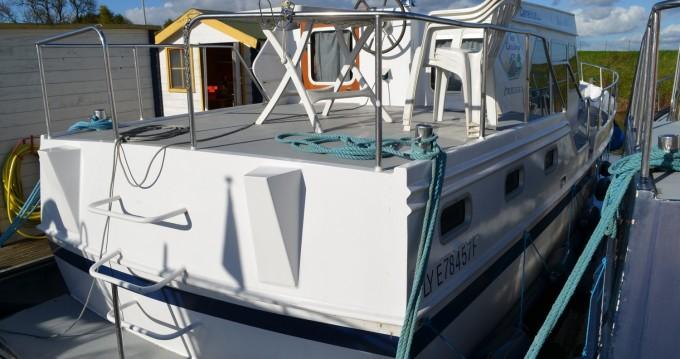 Boat rental Classic Linssen Yacht 36 in Pontailler-sur-Saône on Samboat