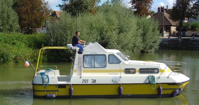 Boat rental Digoin cheap Triton 860 Fly