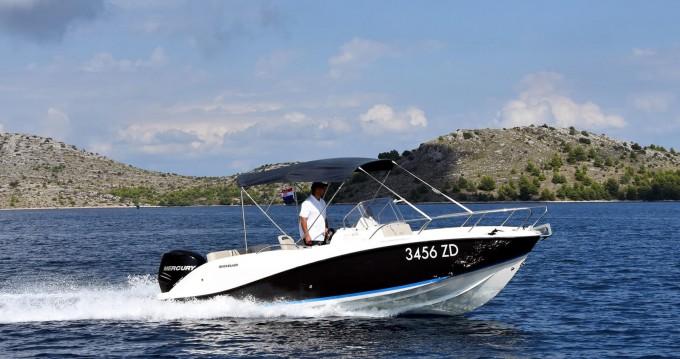 Boat rental Zadar cheap Activ 675 Sundeck