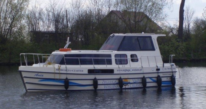 Rental Canal boat in Gmina Ślesin - Low Cost Vistula Cruiser 30 SE