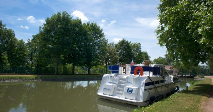 Canal boat for rent Colombiers at the best price