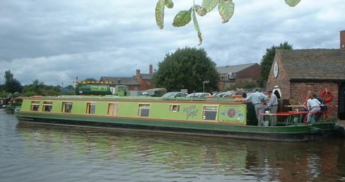 Boat rental Classic Martha Ginger in Staffordshire on Samboat