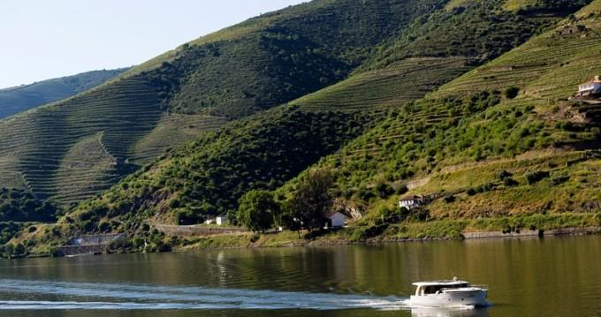 Classic Greenline 40 Vintage between personal and professional Vila Nova de Gaia