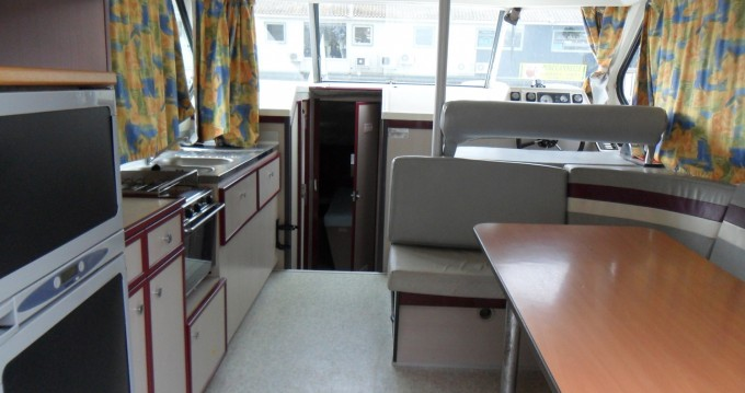 Rental Canal boat in Redon - Classic Nicols 1000
