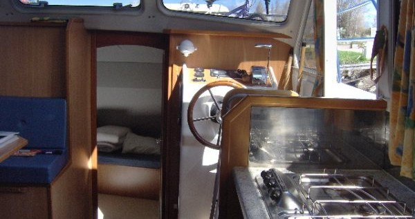 Rental Canal boat in Homps - Classic Tarpon 32