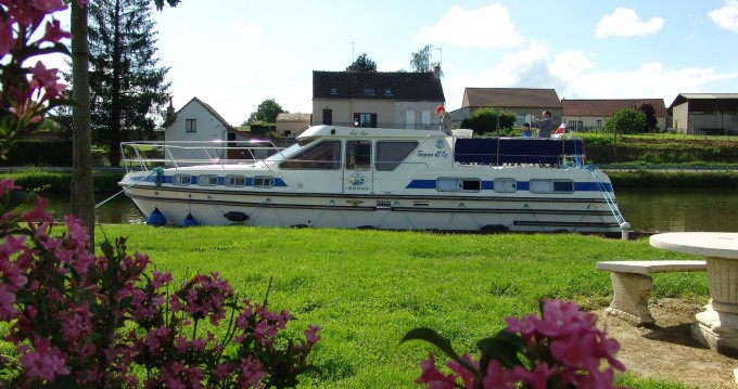 Rental Canal boat in Carcassonne - Premium Tarpon 42 TP