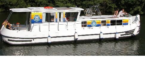 Rental Canal boat in Chenillé-Changé - Classic Penichette 1260 R