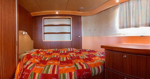 Rental yacht Chenillé-Changé - Classic Penichette 1400 FB on SamBoat