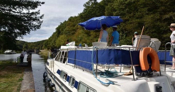 Rental Canal boat in Languimberg - Classic Tarpon 42