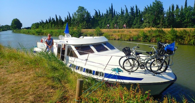 Hire Canal boat with or without skipper Classic Luzech