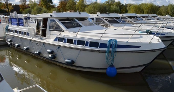 Rental Canal boat in Carcassonne - Classic Tarpon 42