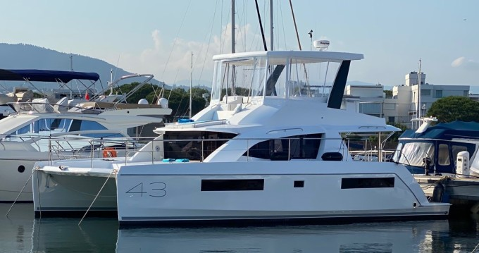 Rental yacht Mandelieu-la-Napoule - Leopard Leopard 43 Powercat on SamBoat
