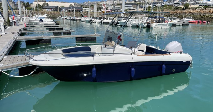 Hire Motorboat with or without skipper Jeanneau Granville
