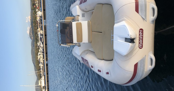 Boat rental Mariner 560 in Porto Pozzo on Samboat
