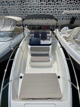 Boat rental Quicksilver Activ 675 Open Smart Pack in Mandelieu-la-Napoule on Samboat