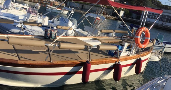 Motorboat for rent Pozzuoli at the best price