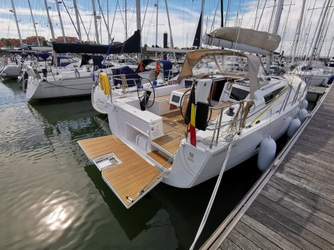 Hire Sailboat with or without skipper Dufour Breskens