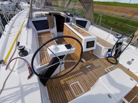 Rental Sailboat in Breskens - Dufour Dufour 390 Grand Large