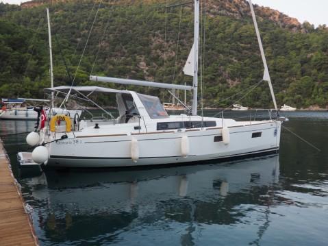 Rental yacht Marmaris - Bénéteau Oceanis 38.1 on SamBoat