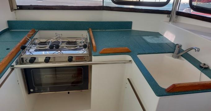 Rental Sailboat in Les Minimes - Dufour Atoll 43